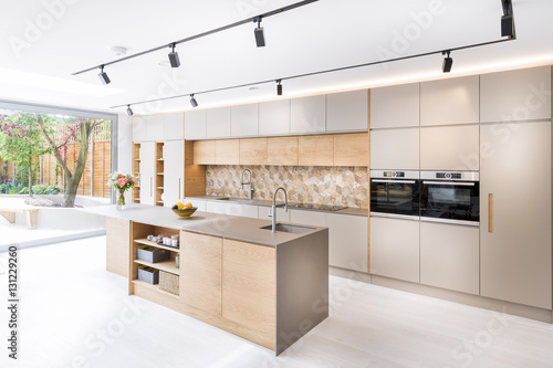 Stampa su Tela Beautiful kitchen in luxury home