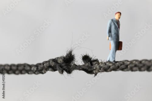Fotografie, Obraz  危険な綱渡り