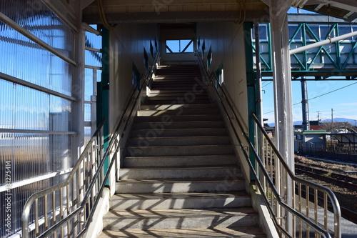 鉄道駅構内の跨線橋