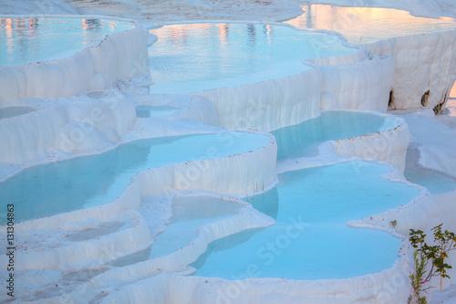 Fotobehang Midden Oosten Turquoise water travertine pools - Pamukkale