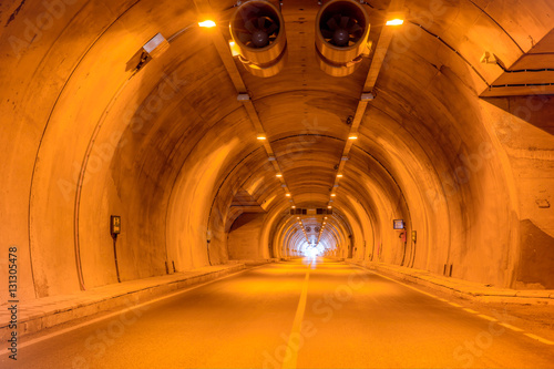 Papiers peints Tunnel highway road tunnel
