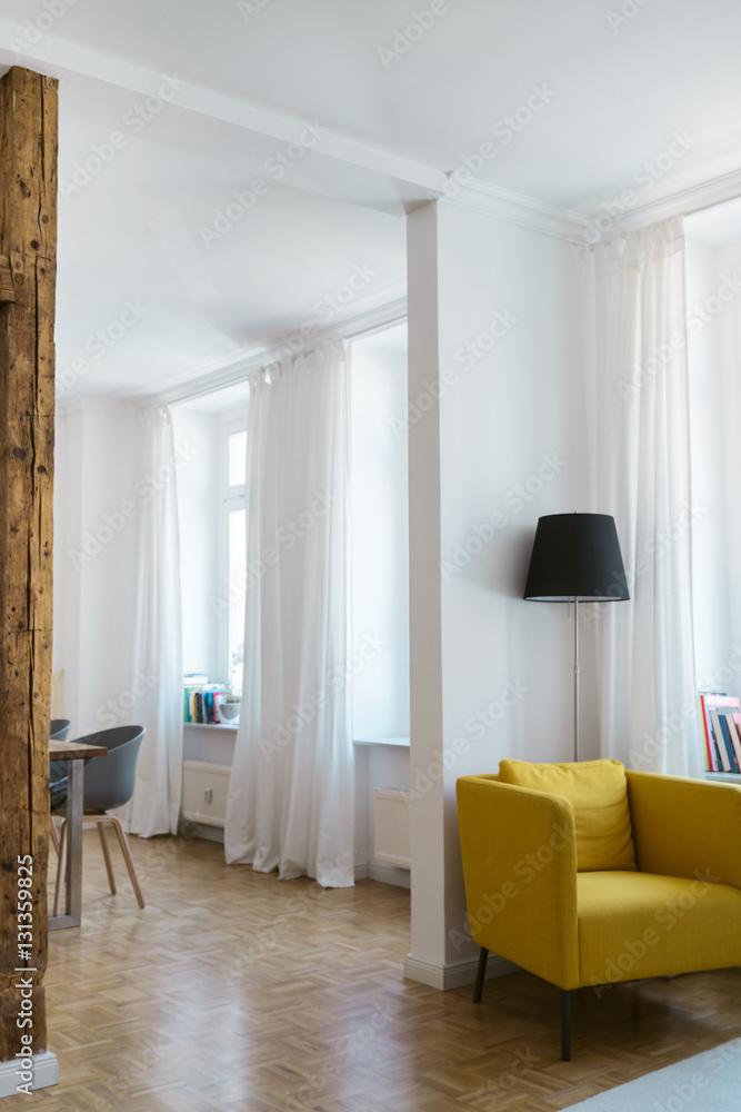 Wohnzimmer Mit Hohen Decken Poster Plakat 31 Gratis Bei Europosters