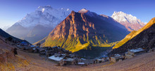 Horizontal Panoramic Mountain ...