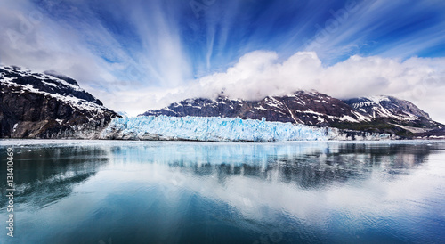 Photo Panoramic view of the face of Margarie Glacier in Glacier Bay National Park, Ala