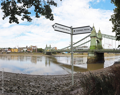 Fotografie, Obraz  Thames path sign by the banks of the Thames near the Hammersmith bridge