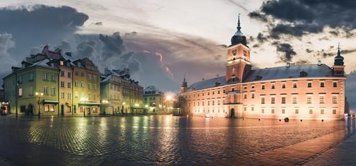Fototapeta na wymiar Royal Castle in Warsaw