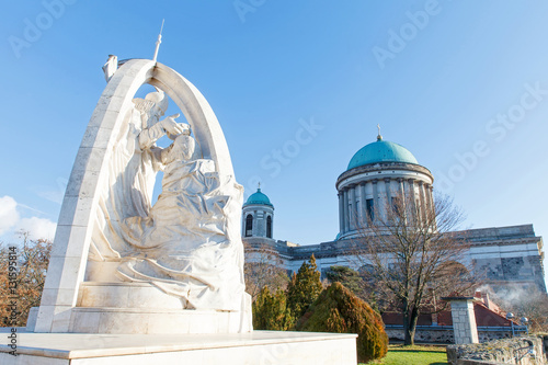 Leinwand Poster Beautiful sculpture and the catholic Basilica in Esztergom