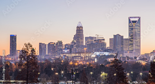 Photo  morning sunrise over charlotte city downtown skyline