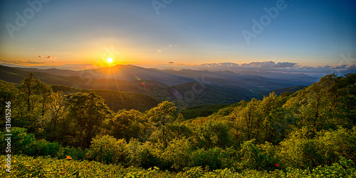 Valokuvatapetti Blue Ridge Parkway summer Appalachian Mountains Sunset