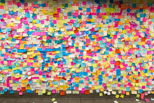 Sticky Post-it Notes In NYC Su...