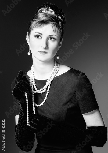 vintage  Portrait of a beautiful young elegant woman. Fototapet