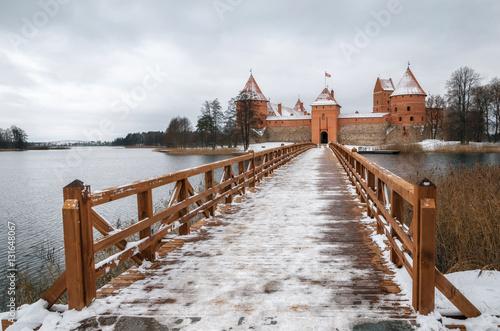Valokuva  Trakai Castle Museum on the island in winter, Trakai village, Lithuania