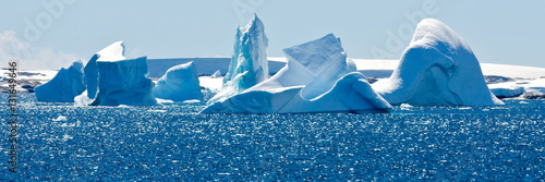 Photo Stands Antarctica Beautiful view in Antarctica