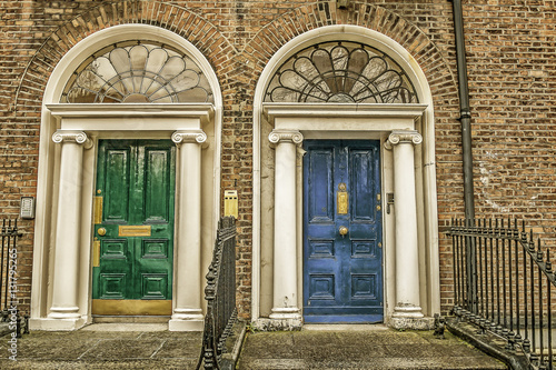 Stampe  Green and blue doors in Dublin