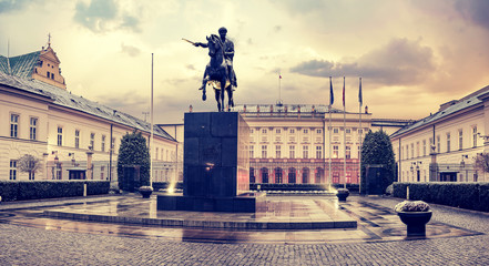 Fototapeta the presidential palace in Warsaw-vintage,retro
