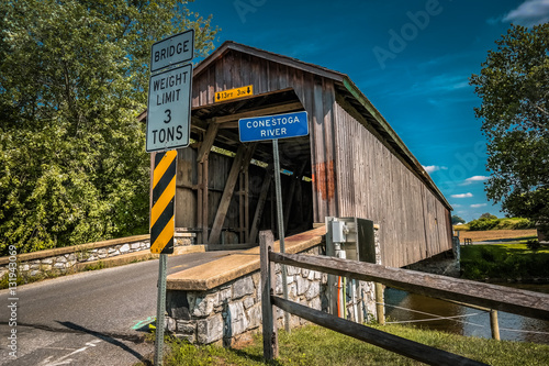 Unpainted Hunsecker Mill Covered Bridge in Lancaster County Fototapeta