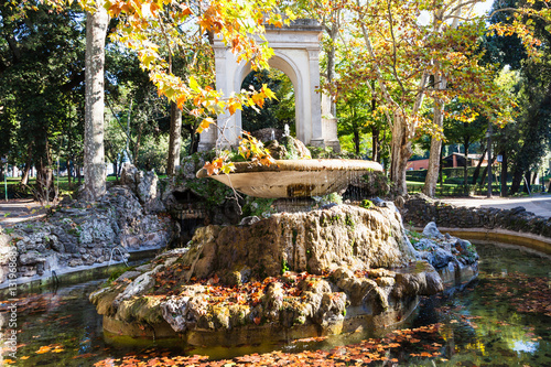 Foto op Canvas Begraafplaats view of fountain in Villa Borghese public gardens