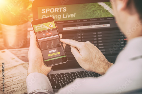 Cuadros en Lienzo betting bet sport phone gamble laptop concept