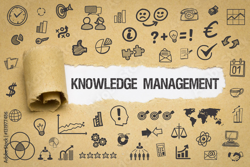 Fotografia  Knowledge Management Papier mit Symbole