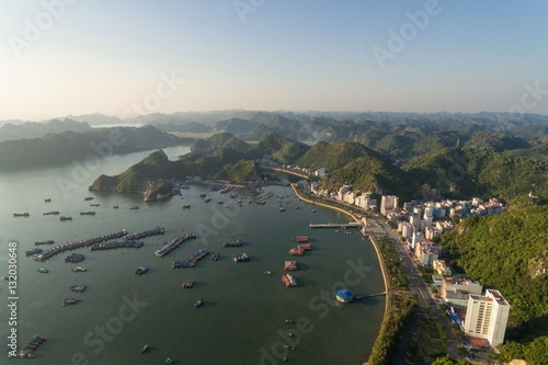 In de dag Verenigde Staten Ha Long Bay Cat Ba Vietnam Aerial Drone Photo