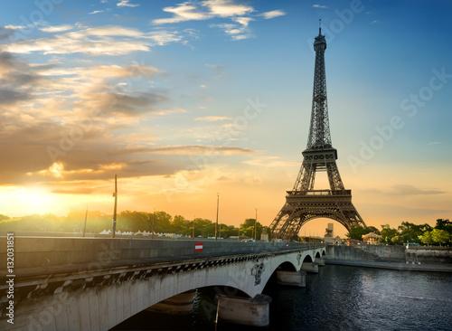 Poster de jardin Tour Eiffel Jena bridge and Eiffel Tower