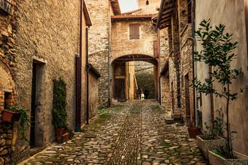 Fototapeta brukowana uliczka we Włoszech
