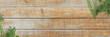 Leinwanddruck Bild Frische Kräuter (Oregano, Thymian, Rosmarin) auf Holz-Küchentisch - Banner / Hintergrund