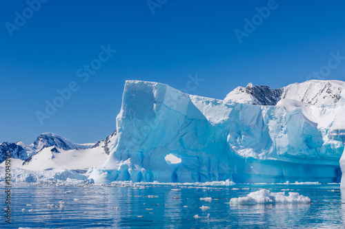 Photo sur Aluminium Antarctique Eisberg in der Antarktis
