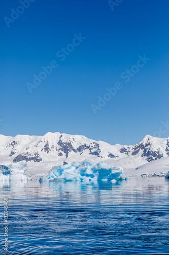 Photo Stands Antarctic Eisberg in der Antarktis