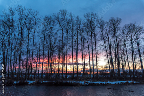 Photo Winter sunset on the river