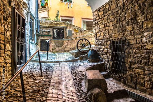 sredniowieczna-ulica-w-san-remo