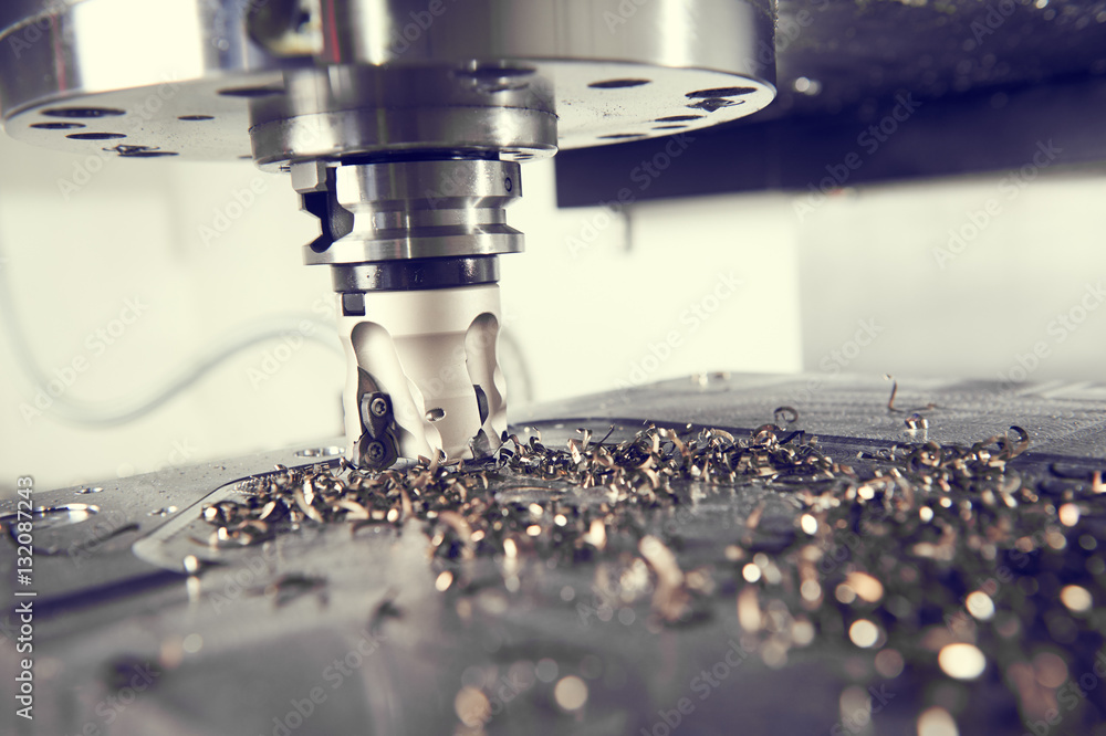 Fotografia industrial metalworking cutting process by milling cutter