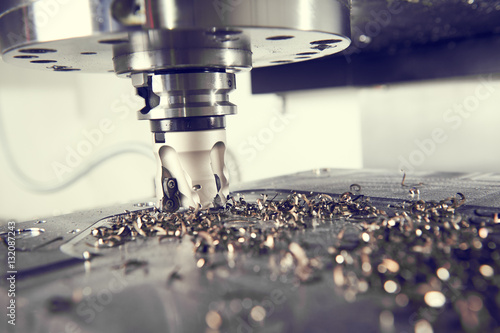 Photographie industrial metalworking cutting process by milling cutter