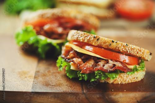 Fototapeta grilled bacon sandwich obraz
