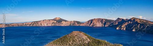 Staande foto Oceanië Wizard island at crater lake