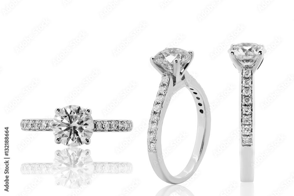 3e75c2a88cc3 Photo   Art Print anillo con diamantes en oro blanco joyeria argolla en  plata com brillantes