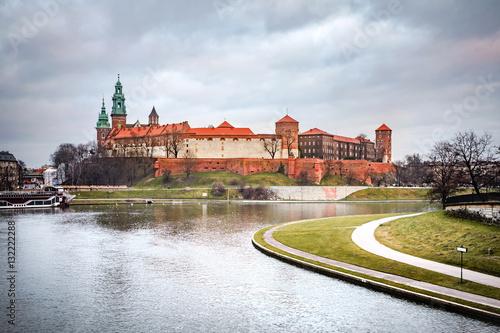 Fototapeta Fantastic night Krakow. The Royal Wawel Castle in Poland obraz