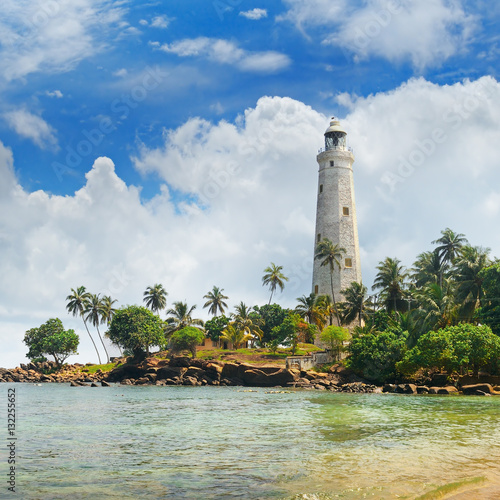 Montage in der Fensternische Leuchtturm lighthouse, lagoon and tropical palms (Matara Sri Lanka)