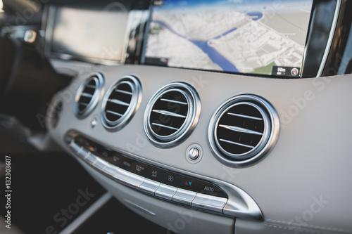 фотография 2016 Mercedes-Benz S500 Convertible Interior View