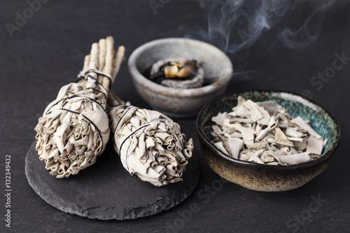 Fotografiet  Incense of Salvia Apiana (White sage, sacred sage, bee sage, california sage)