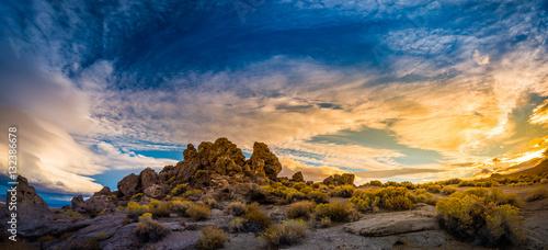 Obraz na plátně  Pyramid Lake Nevada Tufas at Sunset Panorama