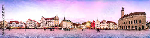 Ingelijste posters Oost Europa Sunset Skyline of Tallinn Town Hall Square or Old Market Square, Estonia. Panoramic montage from 24 HDR images