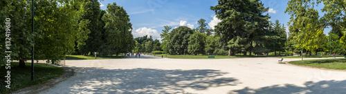 Scorcio di vie in Parco Sempione di Milano
