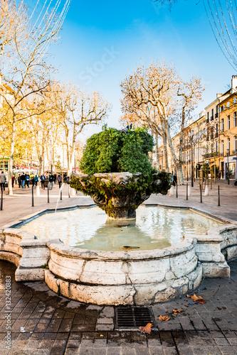 Foto auf Leinwand Fontane Fontaine des 9 canons cours Mirabeau à Aix