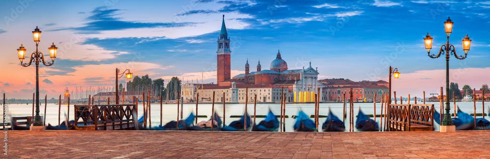 Fototapety, obrazy: Venice Panorama. Panoramic image of Venice, Italy during sunrise.