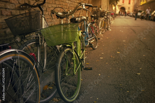 Foto op Aluminium Xian Old bicycles by the wall