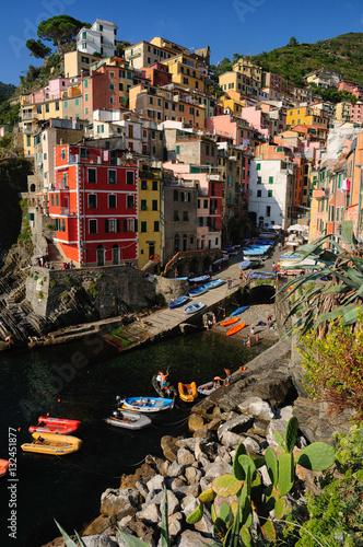 Fotografía  Riomaggiore, famoso paese della Liguria, Italia