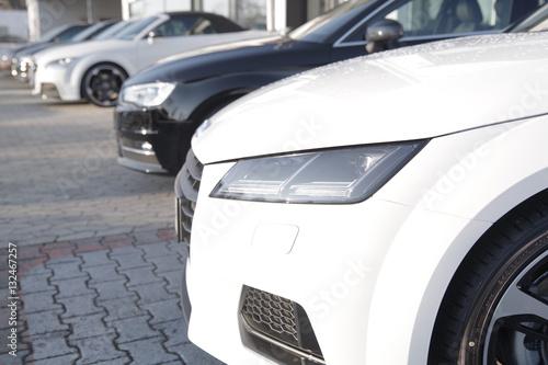 weißer Sportwagen Tablou Canvas