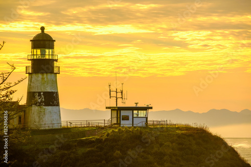Montage in der Fensternische Leuchtturm Cape Disappointment Lighthouse at sunrise, built in 1856