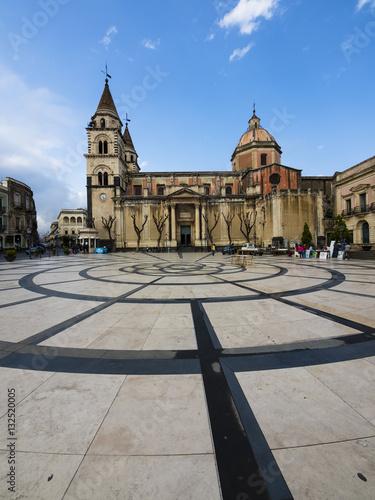 Italien, Sizilien,Acireale, Piazza Duomo, die Kirche Parrocchia Maria Ss Canvas Print